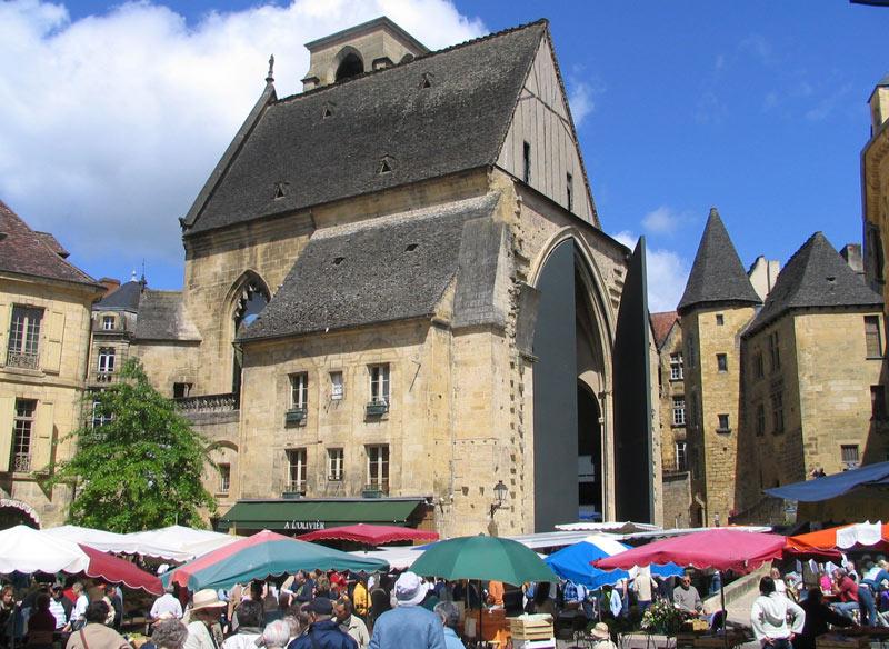 Sarlat et son marché - Le Mas de Louis B Périgord